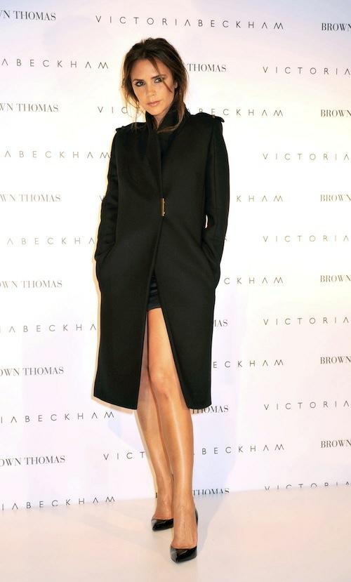 Victoria Beckham cherno palto