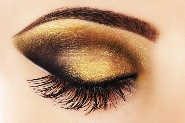 идеи за грим за бал златисти сенки за очи