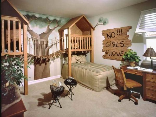 идеи за детска стая за момчета с къща и дърво