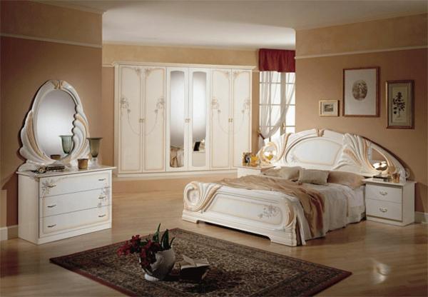 spalnia obzavedena v praskoven cviat i beli mebeli