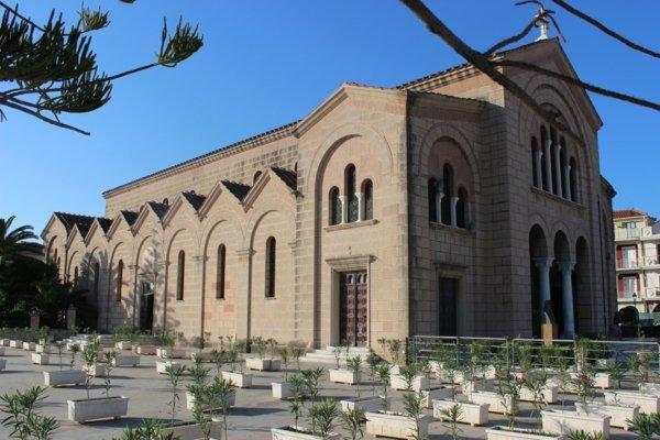 zakintos garciq katedralata dionisios