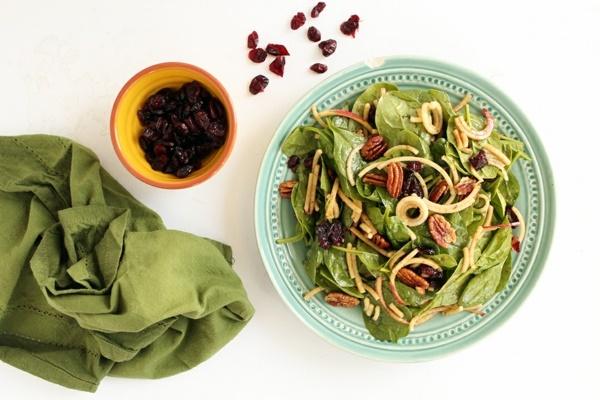 recepta salata spanak qbalka dresing