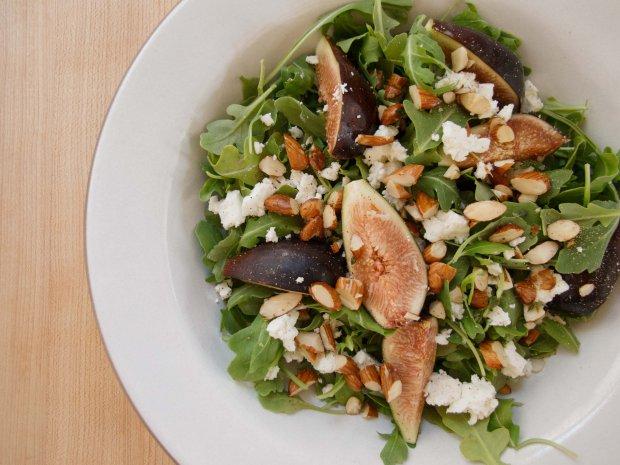 recepta za salata s rukola feta