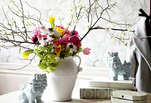 velikdenska ukrasa s klonki i cvetq