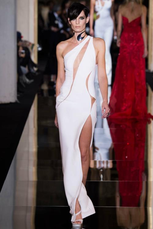 vissha moda Atelier Versace prolet seksi bqla roklq
