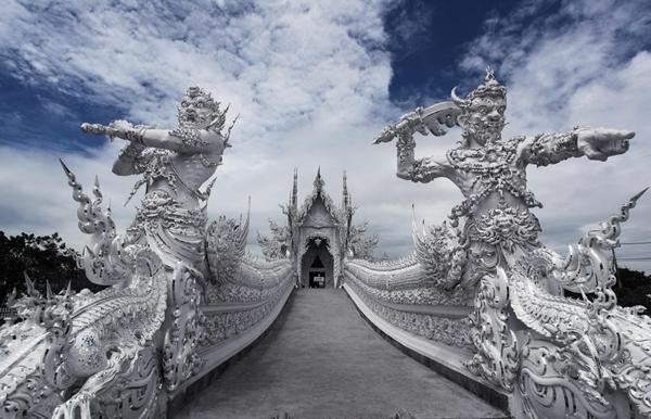 beliqt hram tailand most skulpturi
