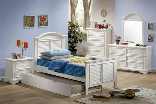 детска стая момчета бели мебели от дърво