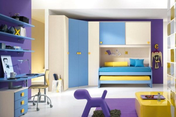 детска стая в синьо лилаво жълто за момчета