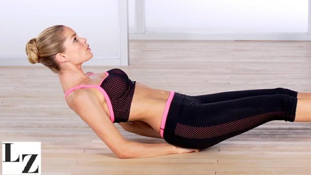 упражнения за стегнат корем