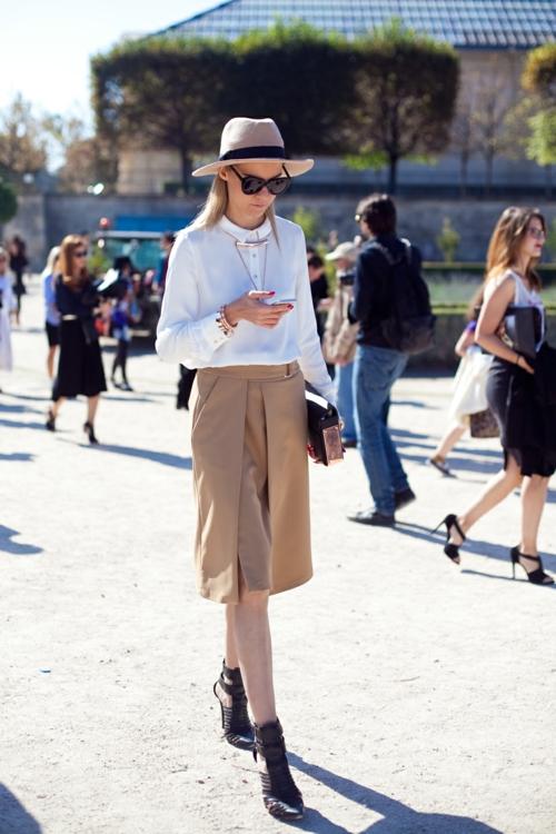eleganten proleten parijki street style shapka