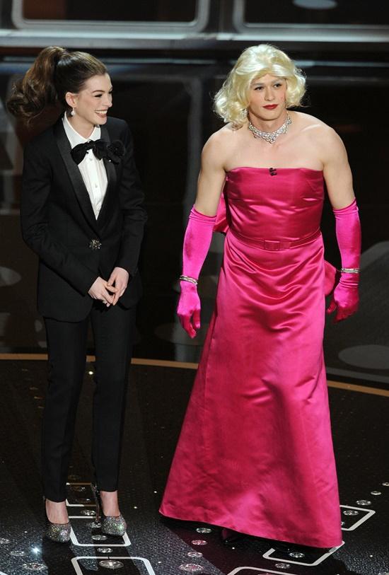 emblematichni momenti ot oskarite Anne Hathaway James Franco