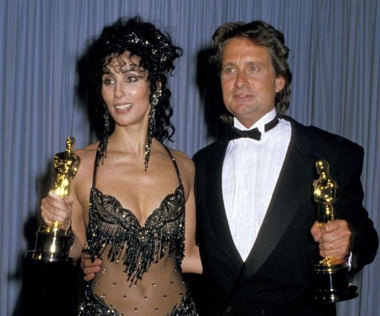 emblematichni momenti ot oskarite Cher Michael Douglas 1988