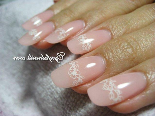 idei za svatben manikur floral