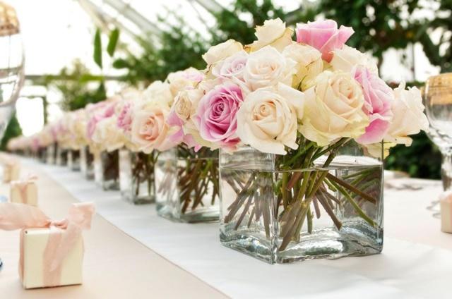svatbena dekoratsiq idei rozi vazi