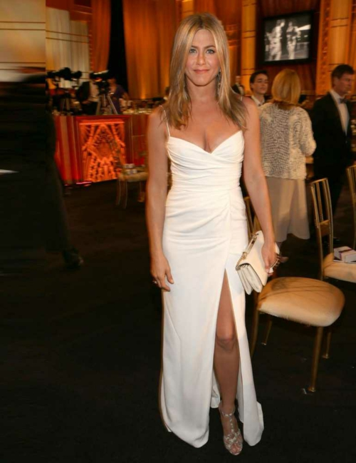 jenifer aniston stil roklq bqla