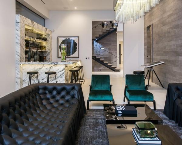 luksozen interior na hol kojen cheren divan