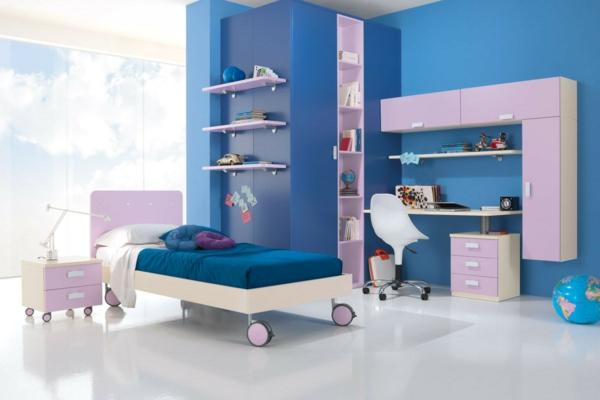 детска стая в синьо лилаво за момчета легло колела