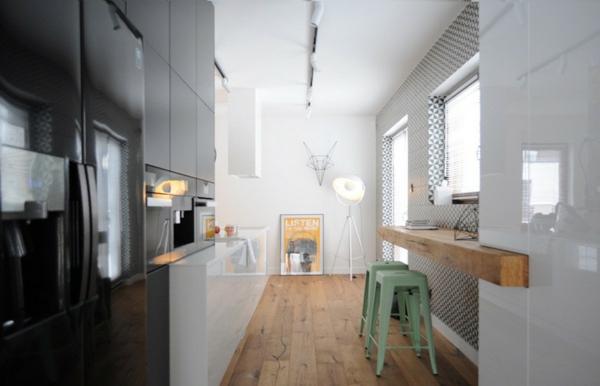 moderen apartament kuhnq bqla stena cheren hladilnik
