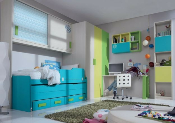 детска стая в синьо жълто зелено за момчета