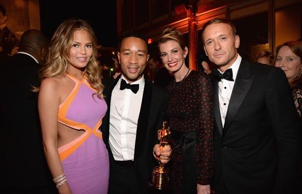 nai-zabavnite momeni ot oskar partito na vanity fair Chrissy Teigen John Legend Faith Tim McGraw