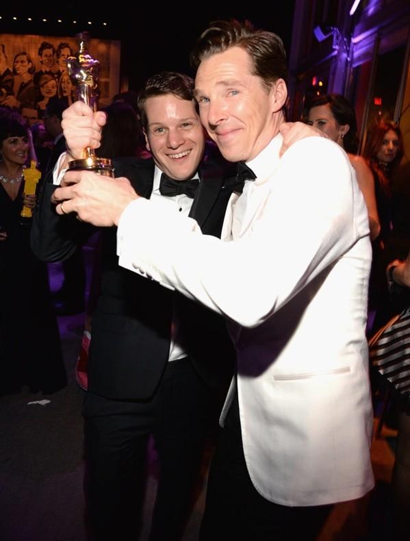 nai-zabavnite momeni ot oskar partito na vanity fair Graham Moore Benedict Cumberbatch