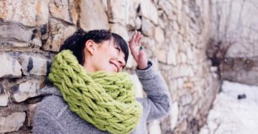Направи си сама шал оплетен на ръка