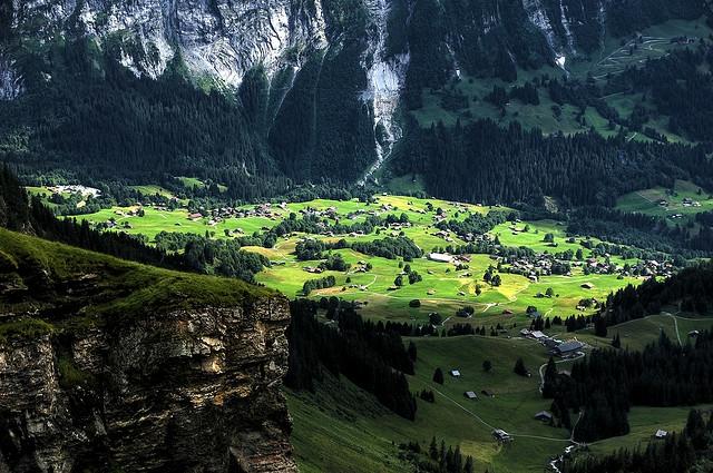 neshta koito da  posetite v shveicariq grad grindelwald