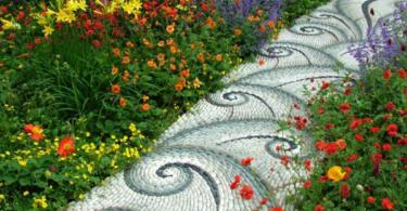 Пътеки в градината