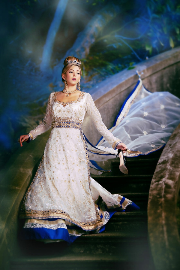 princesi na Disni kato indiiski bulki Pepelqshka