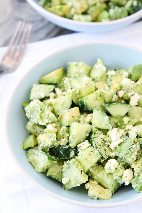 salata s krastavica avokado i feta recepta