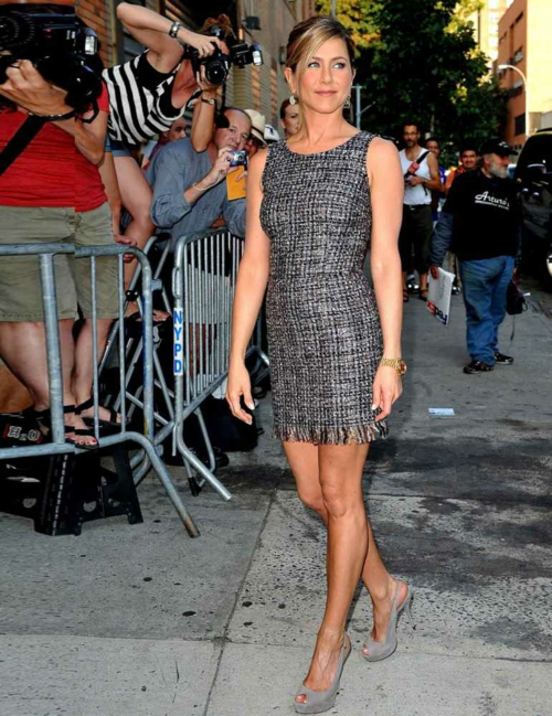 stilat na jenifer aniston dolce gabbana