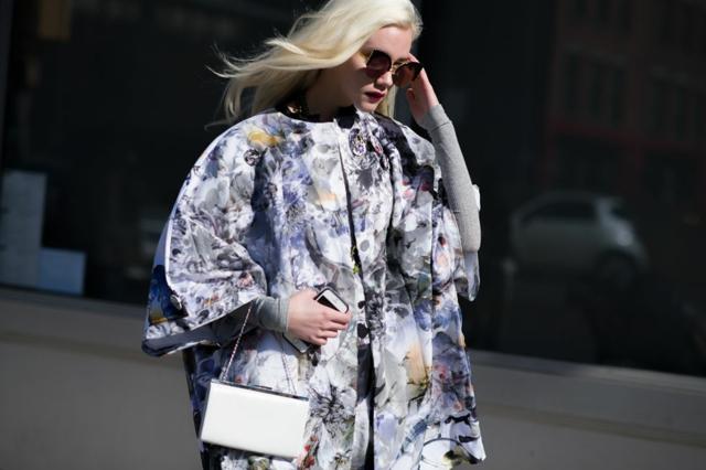 street style ot nu iork sedmicata na modata floralno palto