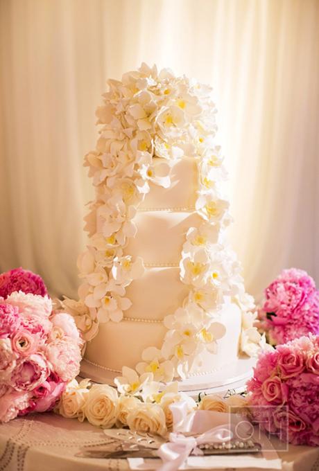 svatbena torta cvetq