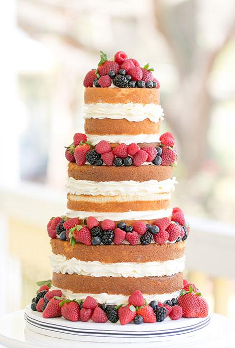 svatbena torta s plodove
