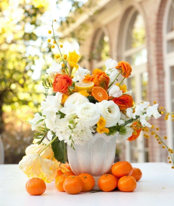 velikden dekoracii cvetq masa