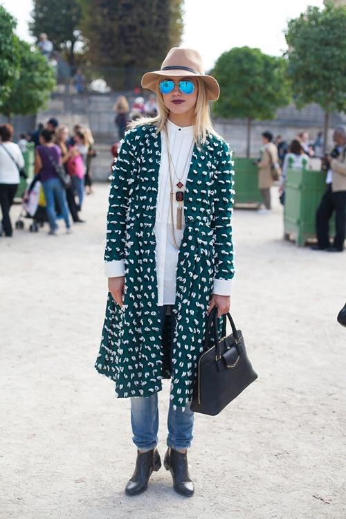 zeleno palto parij street style