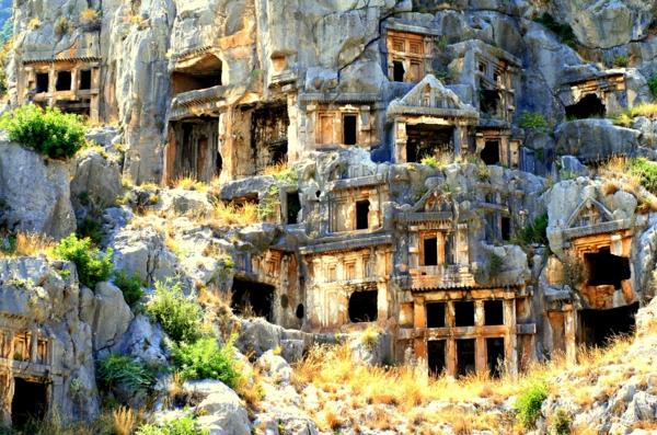 antaliq grobnici myra
