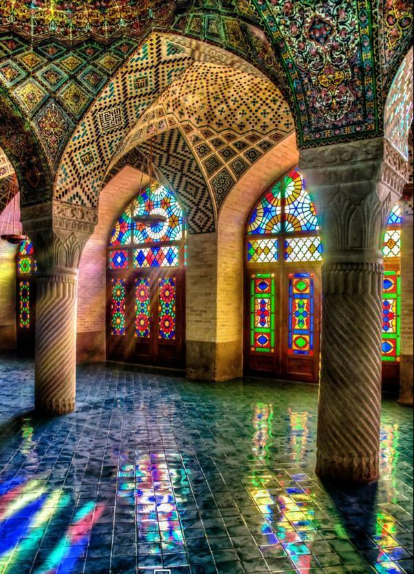iran djamiq interior kuloni plochki