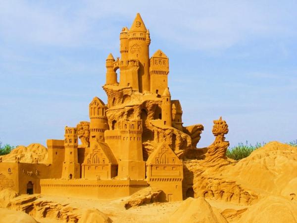 pqsachni figuri zamak antaliq plaj