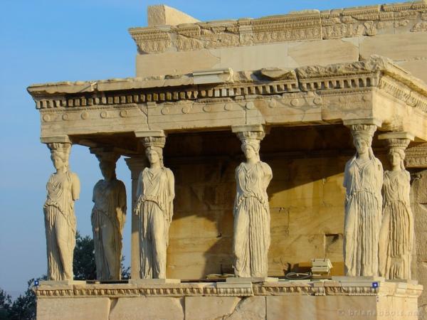 atina mramoren hram jeni statui