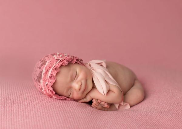 bebe momiche fotografiq usmivka