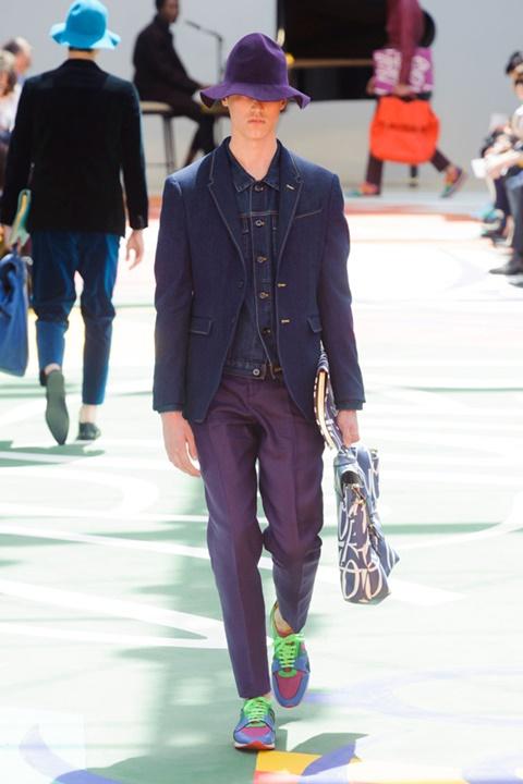 burberry moda proletni tendencii sin blazer