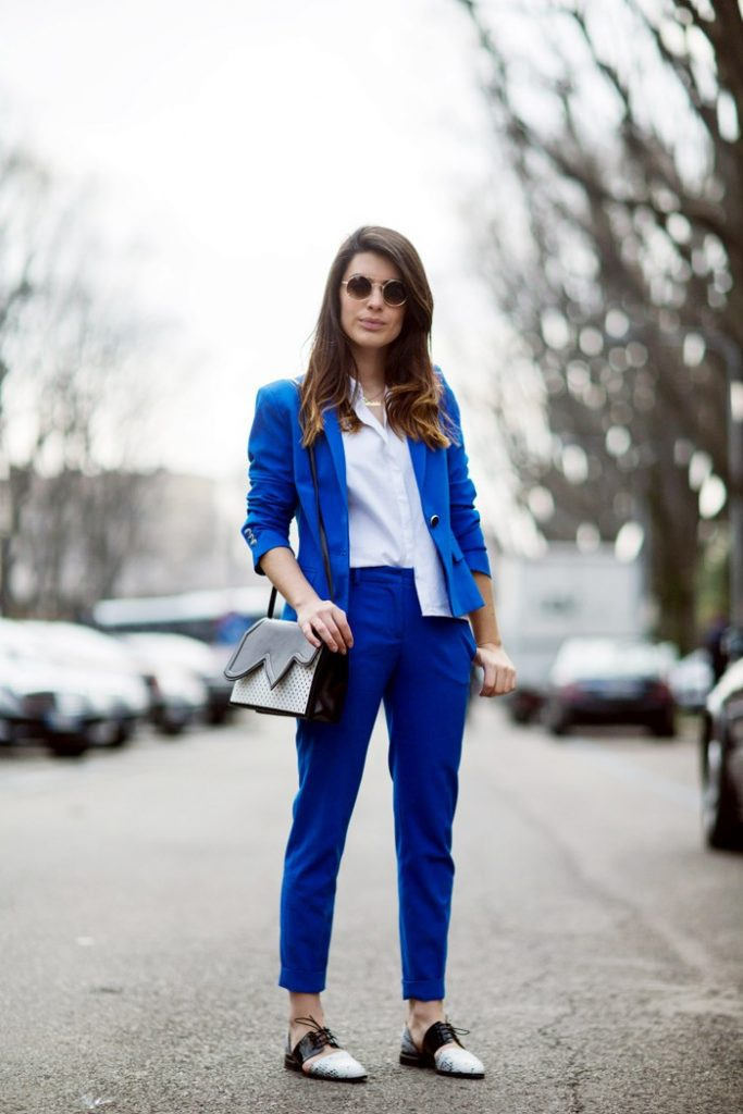damski kostum sinio prolet