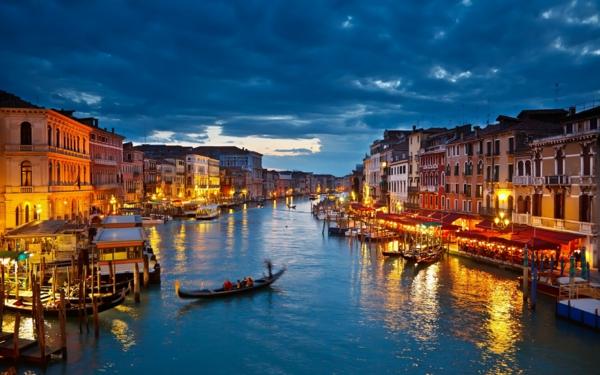 destinacii italiq veneciq lodki reka