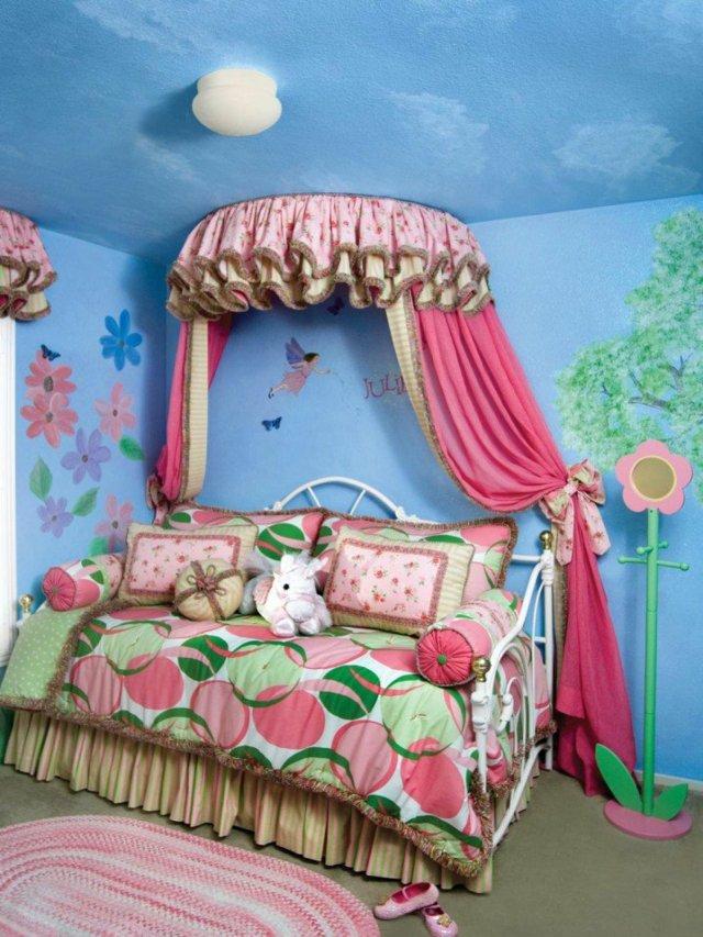 детска стая за момичета балдахин интериор принцеси