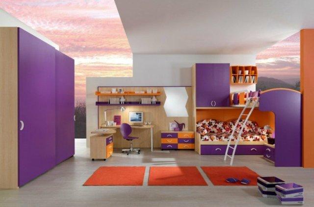 детска стая две момичета обзавеждане в лилаво и оранжево