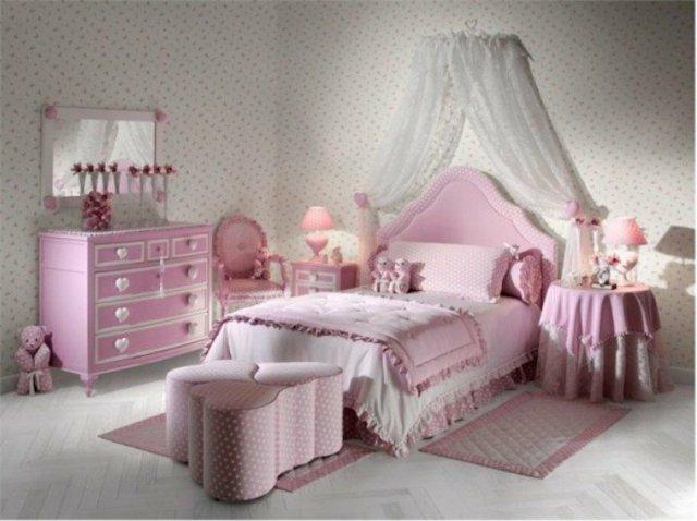 детска стая за момичета интериор розово бяло