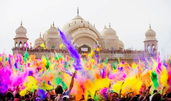 festivali po sveta holi indiq cvetove