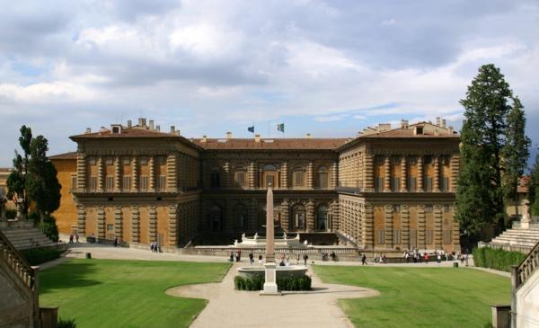 italiq florenciq dvorec piti gradina pametnik