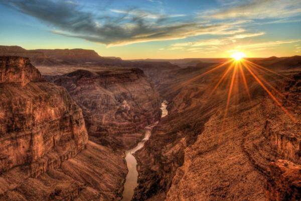 grand canyon i reka kolordo